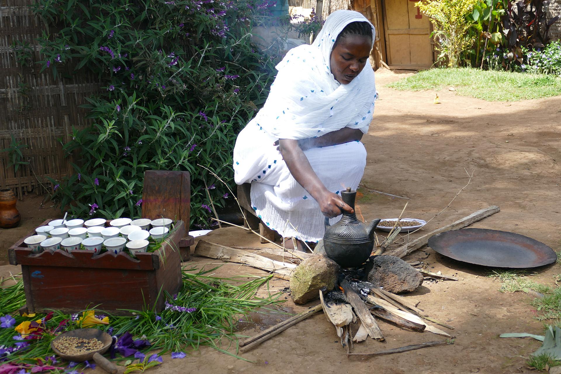 La cerimonia del caffè in Etiopia