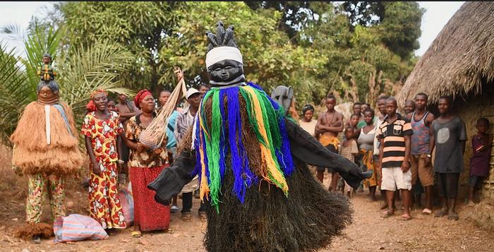 SIERRA LEONE, tra foreste, diamanti e maschere tribali