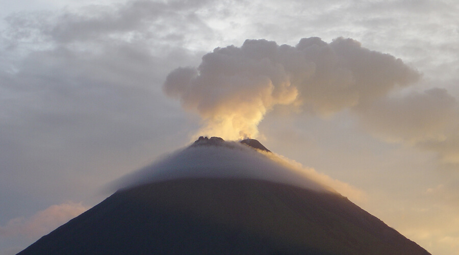 arenal-volcano-afternoon
